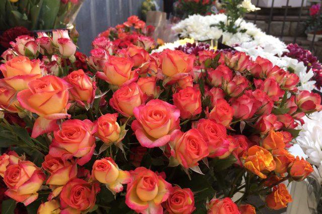 200 гривень за квітку: скільки коштують квіти напередодні 8 березня у Херсоні