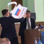 Мордобою між депутатами облради не сталося (відео)
