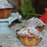 Рецепт итальянских кексов с клубникой, фисташками и черным перцем