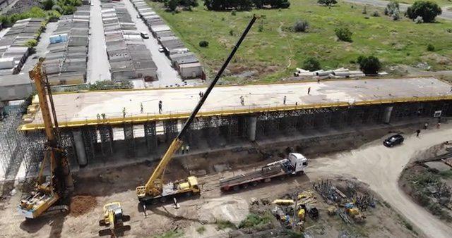 На херсонському шляхопроводі забетоновано першу в Україні 100 метрову захватку плити автопроїзду