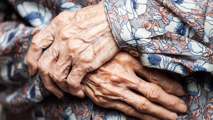 У передмісті Херсона чоловік вбив 74-річну пенсіонерку